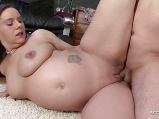 PREGNANT LONG LABIA MOM SEDUCE HER STEP SON TO FUCK HER