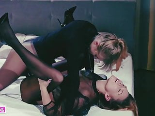 Milf Lesbian Lactating video: Two Girlfriend  Lesbian