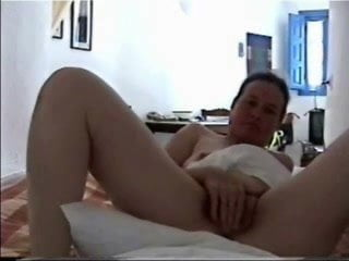 Amateur squirting gay mom