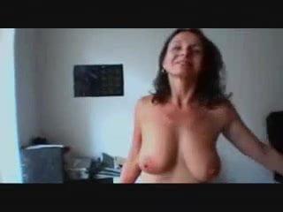 boob bekam momy