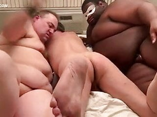 Cub get spanked by two chubs