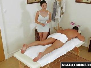 Happy Tugs – Miyuki Son Victor Solo – Great Rubbing – Realit