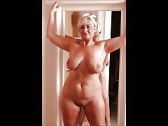 0015 Nude pussies of mature grannies