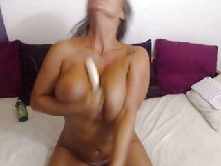 Goddess Kelly loves being watched as she play with herself