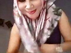 Umi Syarifah, Dzuriyah Cisarua