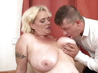 tits her with boy mother Mature pleasing big