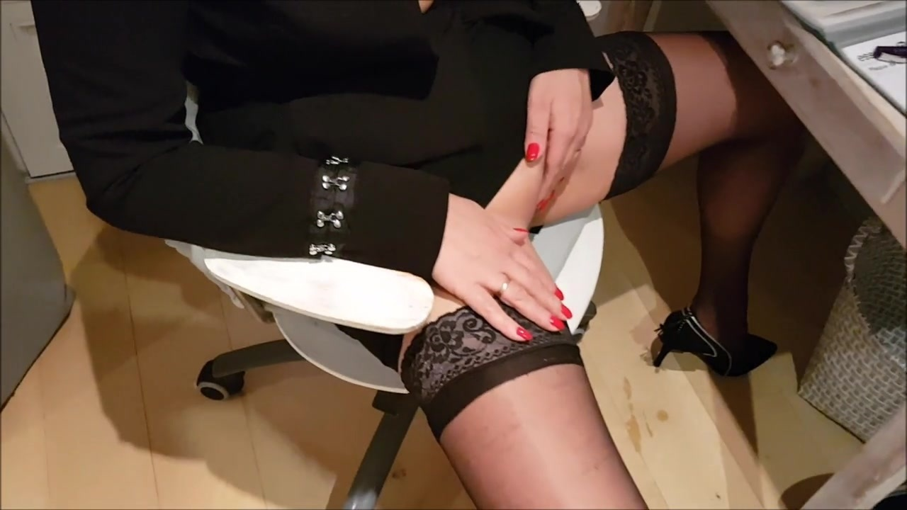 Amateur Hotwife amateur hotwife cums on her lovers cock - bbc, swingers
