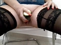 Nadia masturbates with a big zucchini - real audio