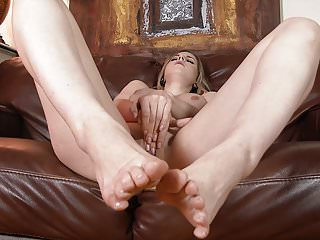 Stella cox wants foot teasing feet for you...