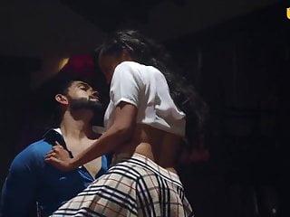 Ladki ne boyfriend ko bandhkar kiya sex, liye pure maze