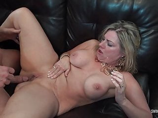 Amateur wives eating pussy and enjoying cocks in home video