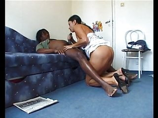 Hungarian Amateur Gipsy MILF Eniko Fuck with BBC at home