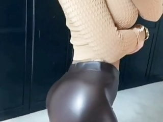 Boiling hot Women in leather-based leggings!!