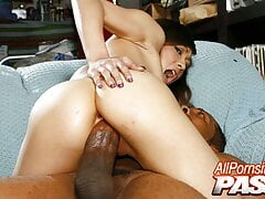 PAWG Hottie Gets A BBC Sex Treatment