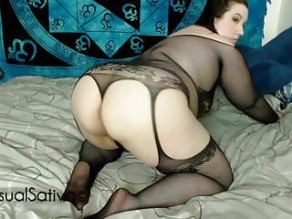 Bbw teases you with ass...