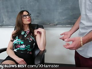 MommyBlowsBest Teacher MILF Wants Younger COCK