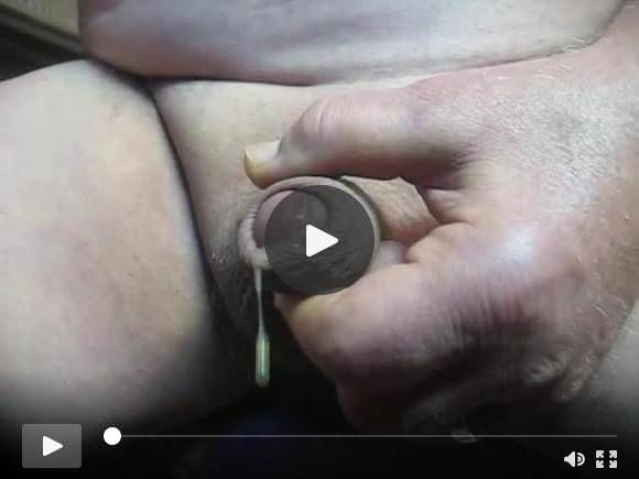 71 anni nonno # 234 uncut cum close solo wank mature pene