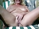 Webcam mature 04