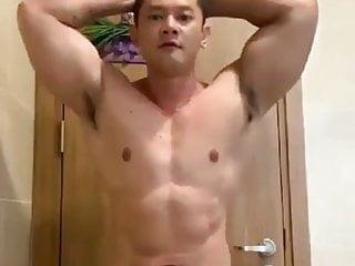 Bodybuilder jakarta worshipping body...