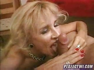 my Granny loves Anal2