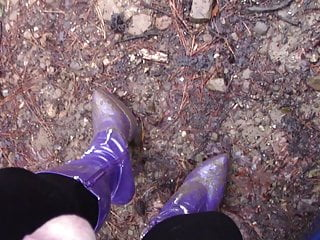 Pissing wearing worn out purple boots p 1...