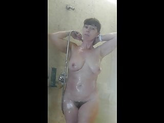 Sexy mature gf in the shower