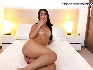 indian model showed her fit body in bedroom and bathroom on HD Sex Videos