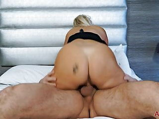 Hot milf Thick blonde