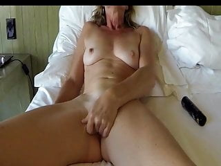 Blindfold Mature Masturbates