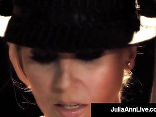 Blonde Blowjob Pornstar video: Busty Cougar Julia Ann Puffs On Cigar & A Dick On Broadway!
