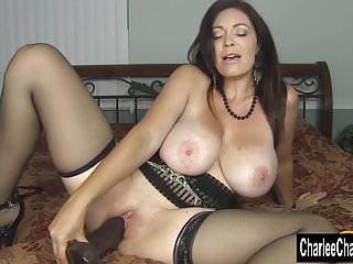 Cornea Big Tit MILF Charlee Chase Stuff figa con Big Black