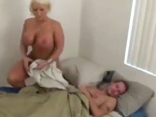 son the giving in Mom morning to handjob