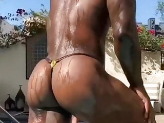 I love and like zezoo black daddy hard...