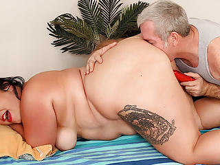 Giving bbw calista roxxx the best her life...