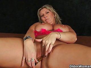 Donne mature con grandi tette naturali