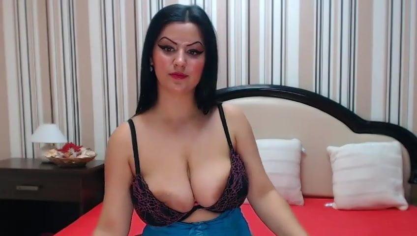 Big Tit Latina Deepthroat