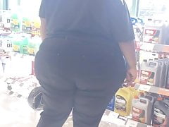 Sbbw Broad Giant Ebony Donk In The Store