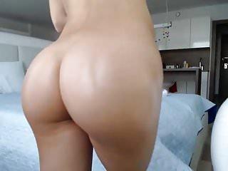 Cute little butt dancing...