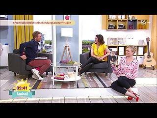 Karen Heinrichs in Jeans und High Heels plus Blumhagen