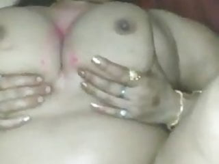 Desi bhabhi fucked by bf, cheater on hubby, fresh leaked video