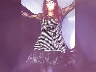 Sexy rockabilly tranny dancing...