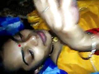 Bhabhi gives blowjob...
